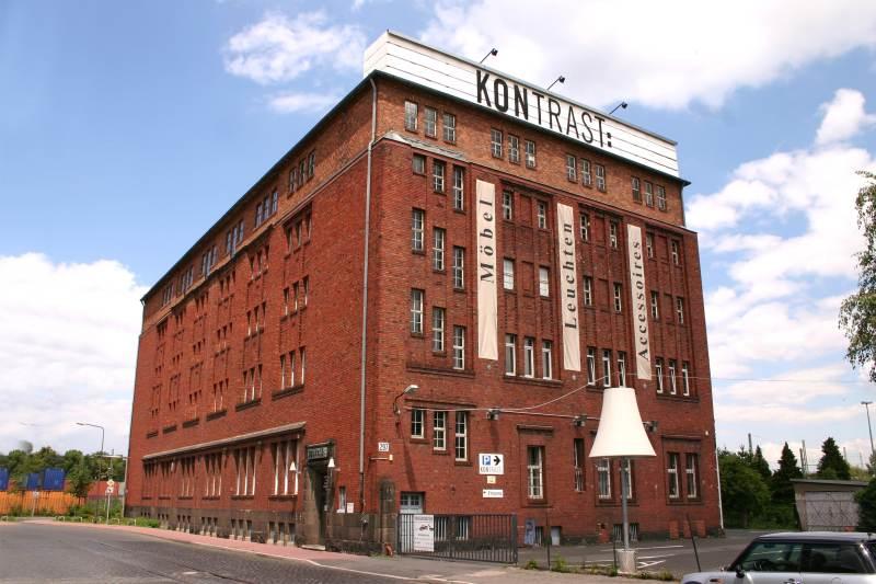 KONTRAST: Das Möbelhaus in Frankfurt - Möbel Leuchten Accessoires